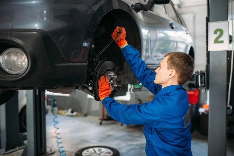 <thrive_headline click tho-post-25191 tho-test-309>Por que contratar profissionais de reparação automotiva qualificados?</thrive_headline>
