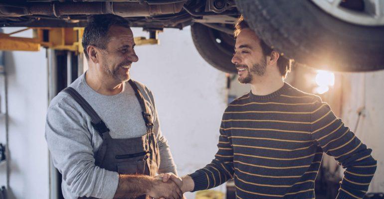 Como atender bem o cliente na oficina? Conheça 7 dicas!