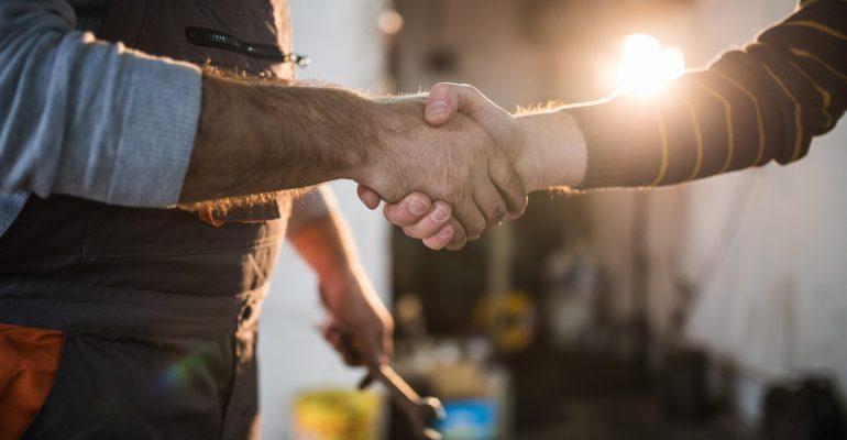 Gestão de fornecedores: como fazer corretamente na oficina de funilaria e pintura?